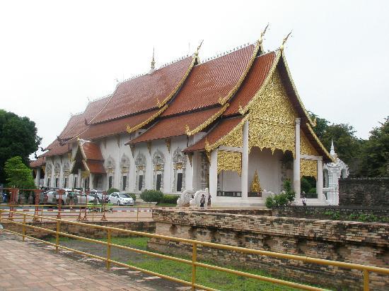 Lux Hotel : templo en Chiang Mai