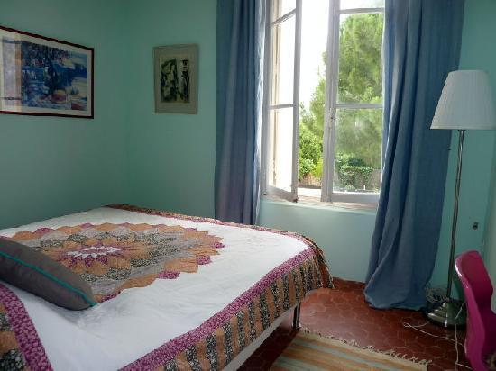 "Villa Roquette: ""Olive"" King-size bedroom"
