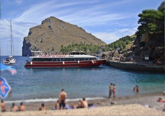 Cañón de la Calobra: Barco en el puerto de La Calobra