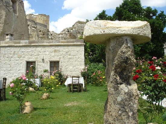 Dervish Cave House: Garden