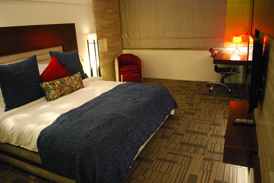 Maya Hotel: Suite BedRoom - new and improved
