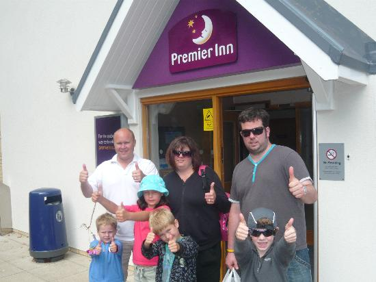 Premier Inn Christchurch / Highcliffe Hotel: Big Thumbs up for the family stay