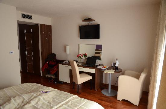 Hotel Degenija : Bedroom