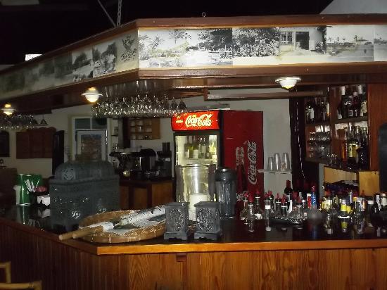 MVC Eagle Beach: La barra del Tulip Restaurant
