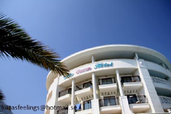 Alba Queen Hotel: En del av hotellets exteriör.