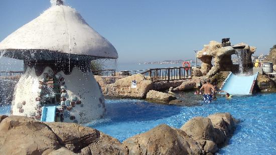 Holiday Palace: good pools