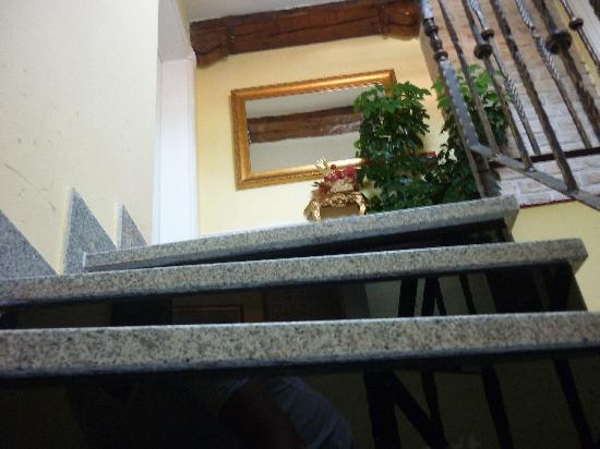Hotel Latinski Most: Stairway