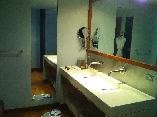 Soho House New York: Bathroom picture