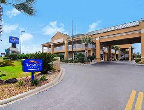 Baymont Inn and Suites Crestview: Hotel Entrance