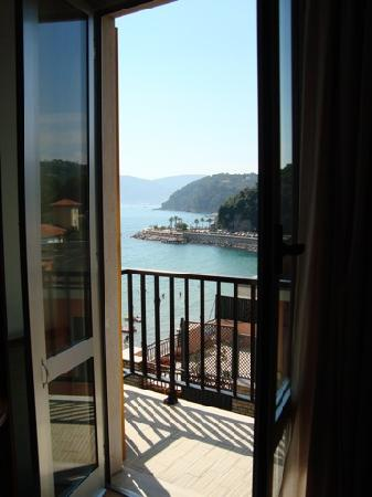 Hotel Florida Lerici: View from my balcony - 5th floor