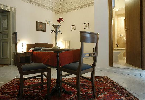 Miseria e Nobilta Bed and Breakfast : Bedroom 2