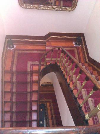 Pensao Central : Escaleras