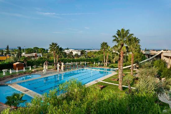 Una hotel regina province of bari italy resort for Piscina wspace bari
