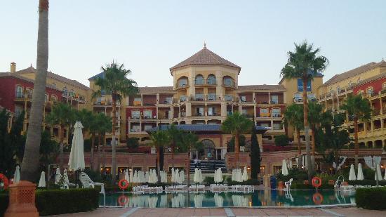 Iberostar Malaga Playa: Piscine
