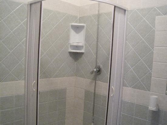 Bagno pulito con box doccia foto di blue paradise resort - Bagno con box doccia ...