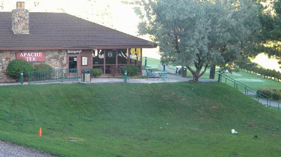 Inn of the Mountain Gods Resort & Casino: Apache Tee golf clubhouse & restaurant