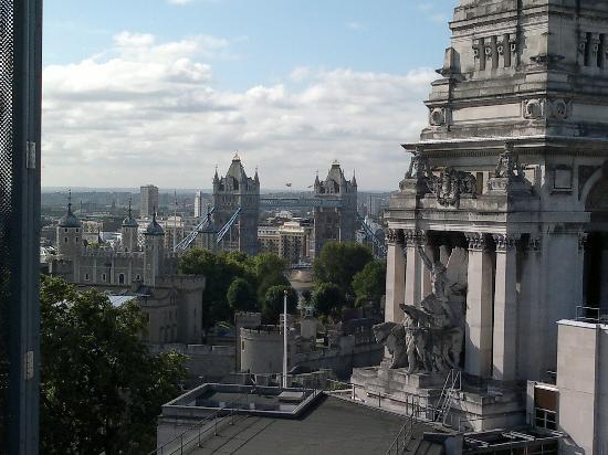 DoubleTree by Hilton Hotel London -Tower of London : vista desde el skylounge