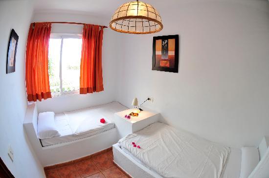 2 dormitorio con dos camas fotograf a de parque las - Dormitorios de dos camas ...