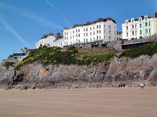 The Clarence House Hotel Beach View