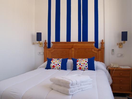 Hotel Corona de Atarfe: HABITACIÓN DOBLE MATRIMONIO
