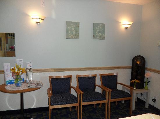 Westway Inn : FRONT DESK/OFFICE