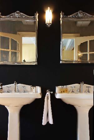 Suitehotel Restaurant Posthoorn: Bathroom Sistermans Suite