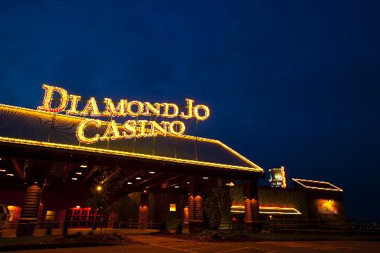 Holiday Inn Express & Suites Northwood: Located steps away from the Diamond Jo Casino!