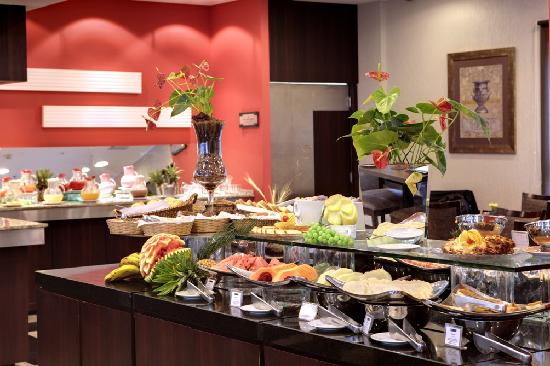 Quality Hotel Curitiba: Breakfast