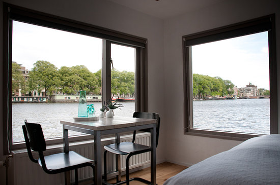 Houseboat Little Amstel : One of the two double rooms