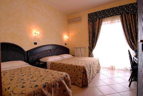 Hotel L'Approdo: camera tripla