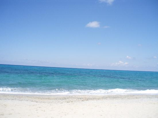 LABRANDA Rocca Nettuno Tropea: lovely clean beach