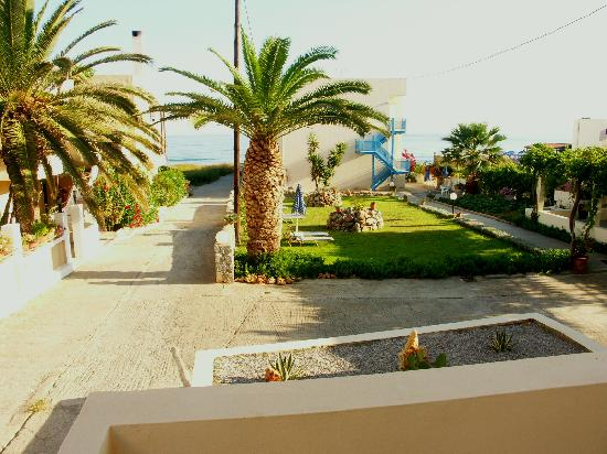 Danaos Beach Hotel: Вид с балкона