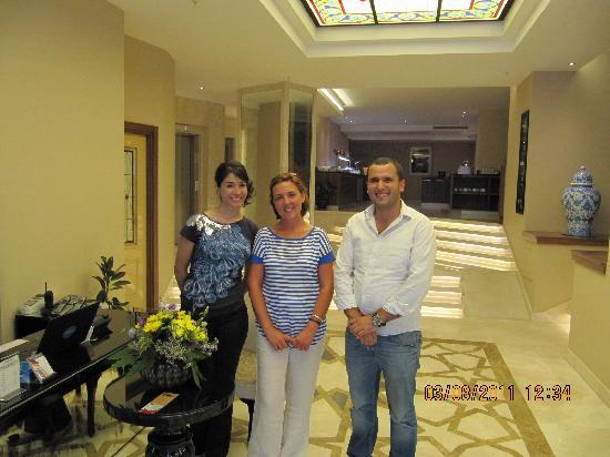 Neorion Hotel: Simpáticos recepcionistas