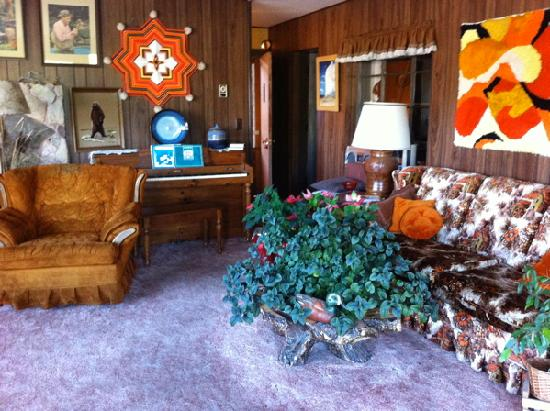 Al's Westward Ho Motel: The lobby