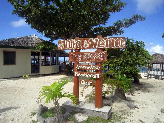 Anita's Beach Bungalows: Anita & Wena welcomes you!