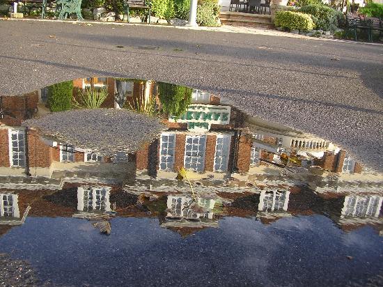 Hotel Miramar: MIRAMR REFLECTION