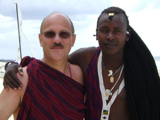 Pwani Mchangani, Tanzania: Yohan de l'artisanat à bon prix et amitiés