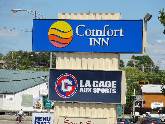 Comfort Inn - Mont Laurier: Front of hotel
