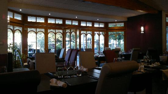Le Manoir d'Agnes: salle intérieure restaurant