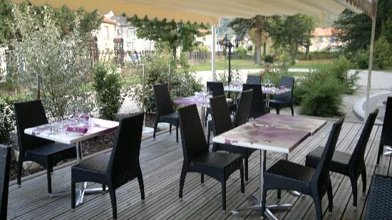 Le Manoir d'Agnes: salle exterieure du restaurant