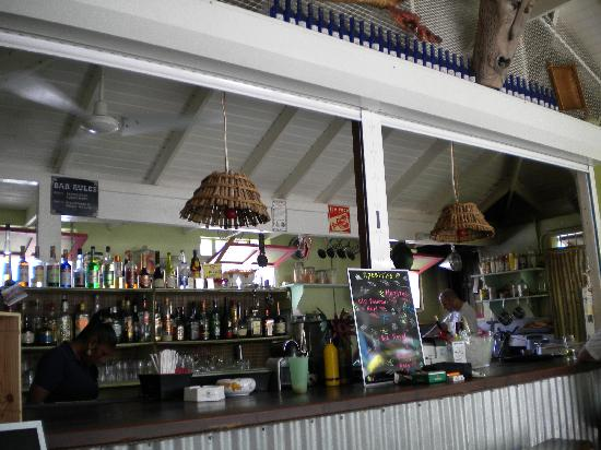 Cafe Bambula: Bar/ Kitchen