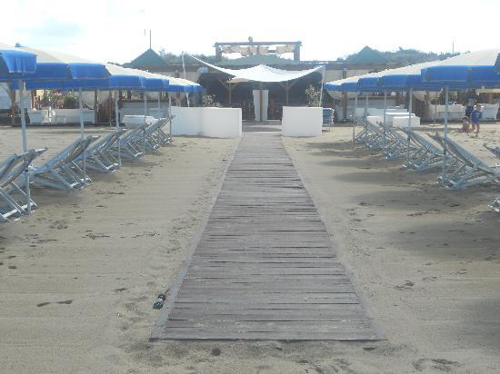 Cosmopolitan Golf & Beach Resort: la spiaggia