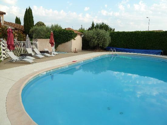 Logis Hôtel La Grande Bastide : Pool
