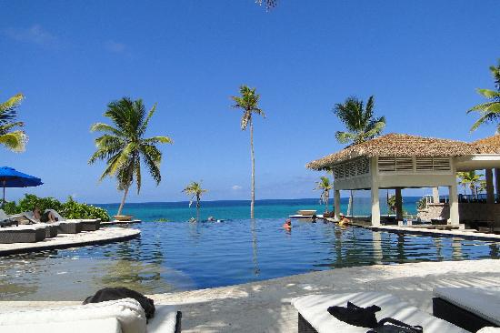 Sky Beach Club Pool Bar
