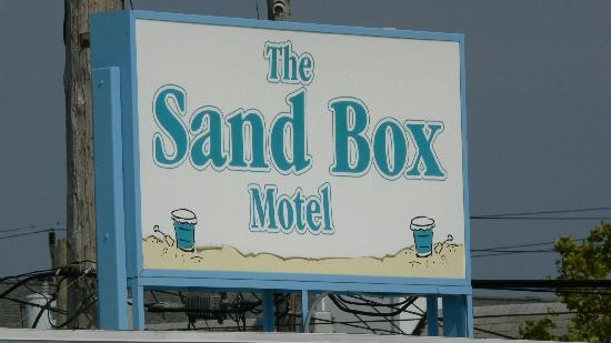 The Sand Box Motel: Enseigne