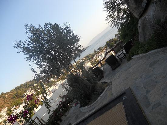 Aegean Gate Hotel: View from the garden over to Kos