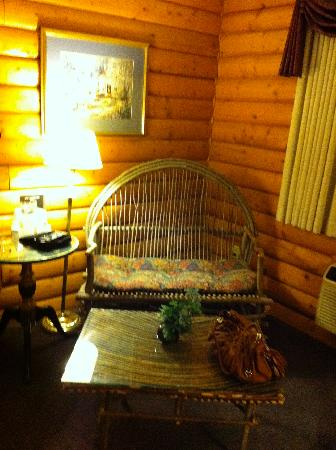 Best Western Dodgeville Inn & Suites: Woven wood furniture
