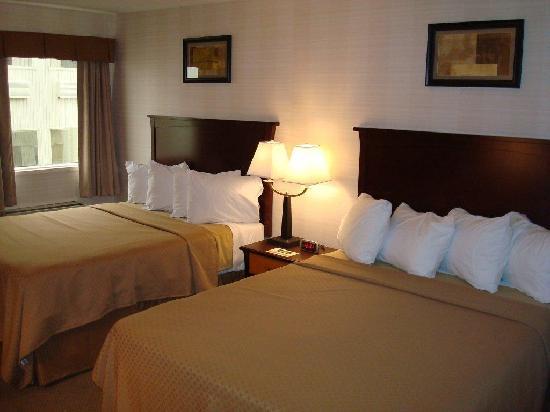 Quality Inn North Hill: Guest room (QQ)