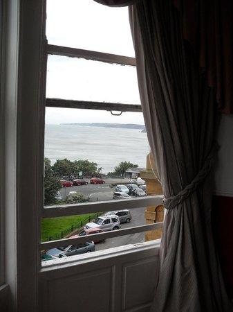 St. Nicholas Lodge: sea side views, big windows