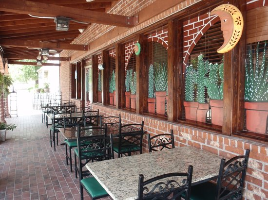 Outdoor seating at Gabriela's, although in August, it's way too hot to sit outside!